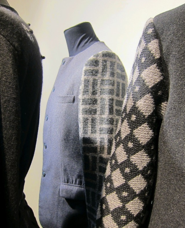 Dräktdelar för herrar, jacka i ull och alpacka med virkade ärmar, av Eva Davidsson. (Foto Kurbits)