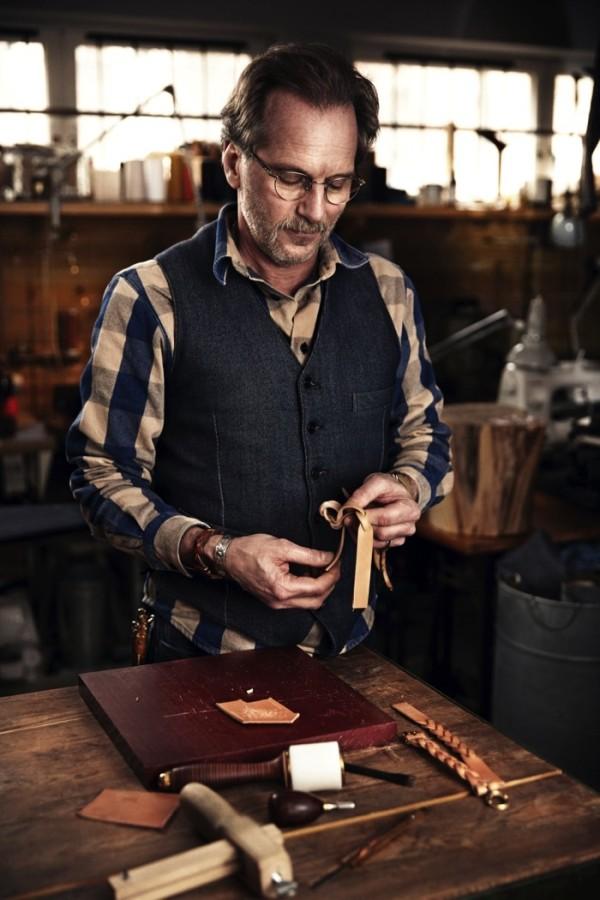 Michael Gärtner själv, självlärd med en skicklig skomakare till far och med mångårig övning har han nära till hantverket. (Foto Calle Stoltz)