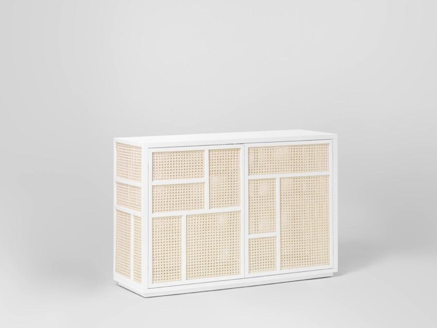 Garderob och sideboard Air av Mathieu Gustafson i rotting och trä. (Foto Design House Stockholm)