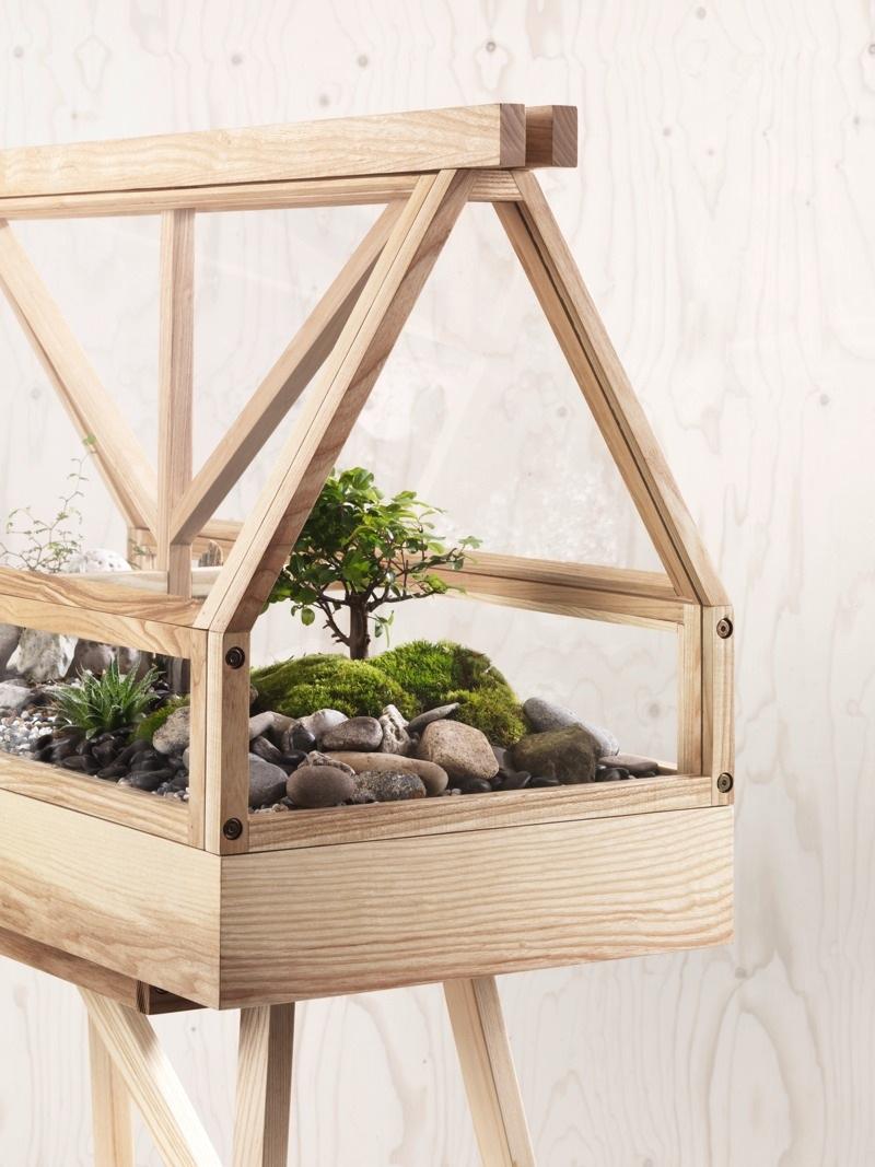 Greenhouse, växthus i ask, gjort av Atelier 2+, designduon som är baserade i Bankok och består av Worapong Manupipatpong och Ada Chirakranont. (Foto Design House Stockholm)