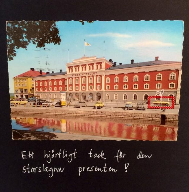 """""""Ett hjärtligt tack för den storslagna presenten!"""" Korsstygnsbroderi av Britta Johanson. (Foto Kurbits)"""