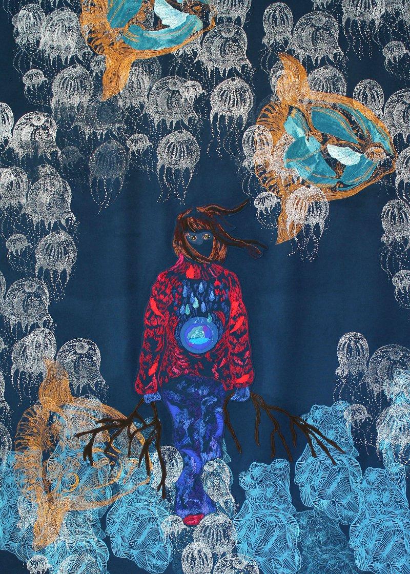 Carina Marklund visar bland annat verket Hög tid på Härnösands konsthall just nu. Handbroderi, applikation och screentryck på kläde. Verket mäter hela 200 x 150 cm. Utställningen kallar hon Stora Blå. (Foto Carina Marklund)