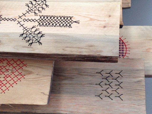 Tolkningar, diskussioner, samtal och symboler - alla delar i Arvbetagelse, utställningen som vill visa upp den textila historien. Nu i Dalarna. (Foto FAS)