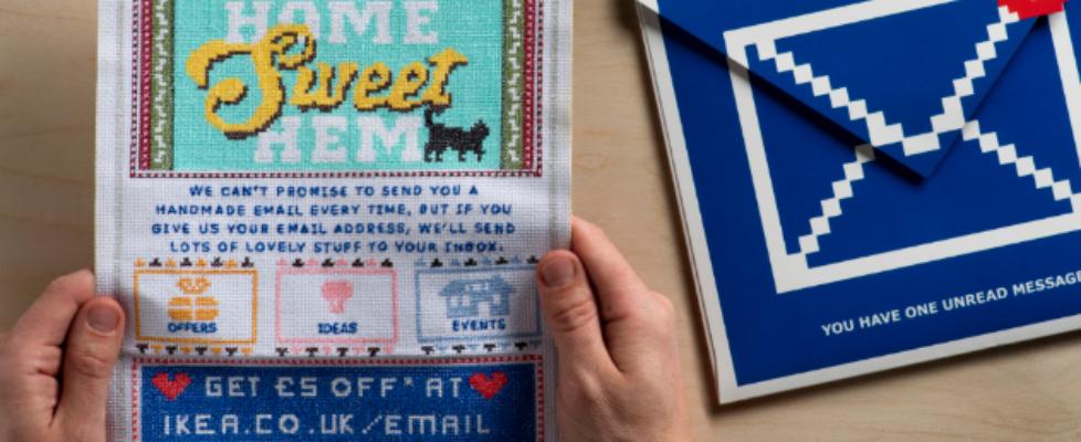 Ikea skickar broderade budskap till sina kunder