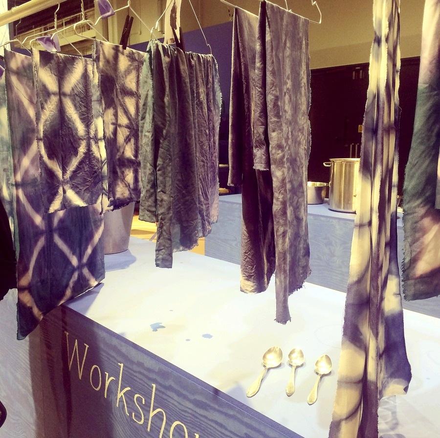 Dyeing Craft Lab, Handarbetets Vänners workshops i shiboriteknik på Formex i januari var välbesökta och populära under Formexmässan. (Foto Kurbits)