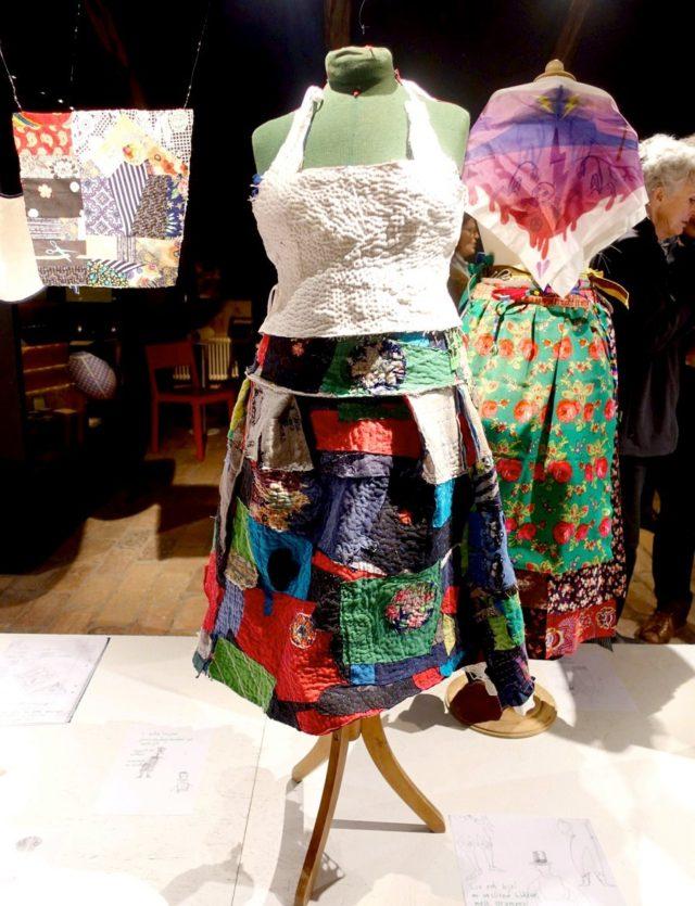 Livstycke och kjol av avlagda kläder, nogsamt och fint hopsydda med silkestråd, av Ida Björs. (Foto Kurbits)