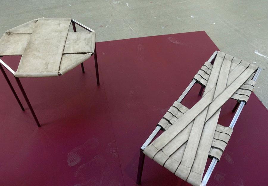 Nadia Zabihi experimenterar med Concrete Canvas, som hon behandlar som tyg men som härdar med vattning. (Foto Kurbits)