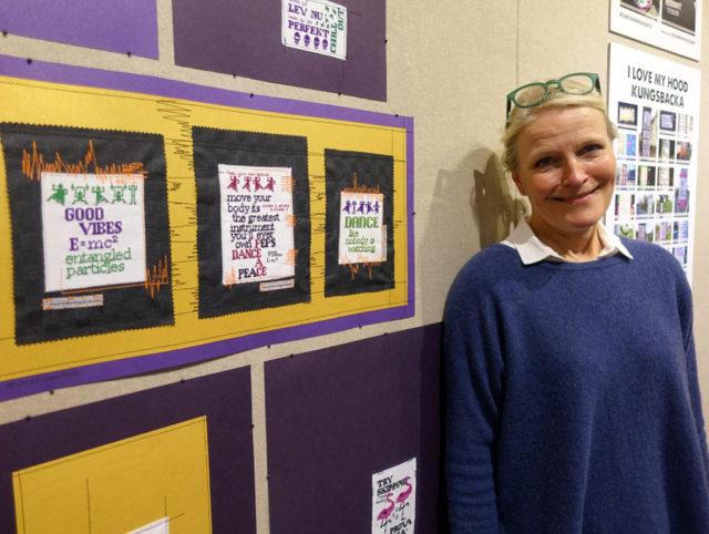 Karina Paulsson framför några av sina verk som är gjorda, men inte utplacerade ännu. Håll utkik Kungsbackabor, snart på en lyktstolpe nära dig! (Foto Kurbits)
