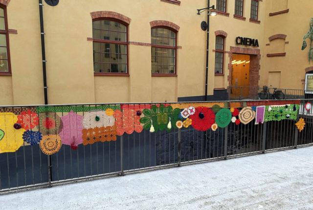 Ut med det i offentligheten! Husmorsgraffiti i Norrköping just nu. (Foto Anneli Lindberg)