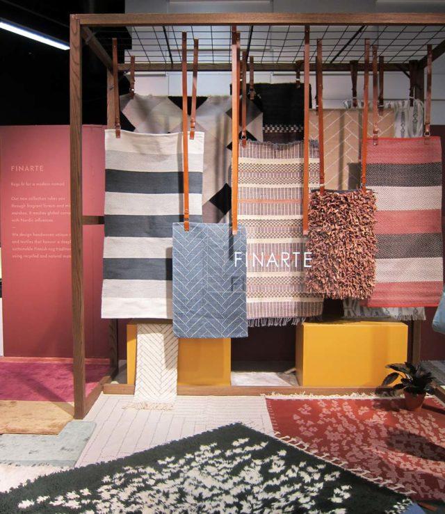 Ett annat intressant möte: Finska Fin Arte - fina mattor, ekologiskt hållbara produkter av återvunna material som ren ull, restbitar av läder och garn av återvunna PET-flaskor. Spännande kollektion! (Foto Kurbits)