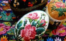 Glad påsk önskar Kurbits!