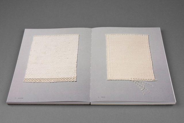 Ytterligare uppslag ur den vackra boken Fabricate, av Åsa Pärson. (Foto Göteborgstryckeriet)