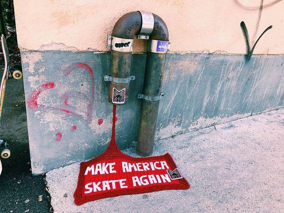 Mer @juliarioknit denna Yarnbombing Day! (Foto Julia Riordan)
