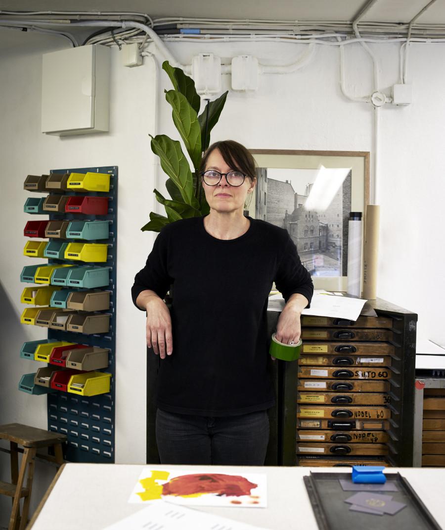 Konstnären Cilla Ramnek har skrivit boken Verkstäder. (Foto Patric Johansson)