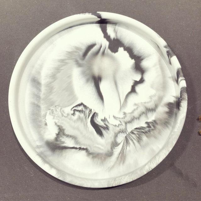 Betongfat med marmorering, av Anna Christians, Craft Studio. (Foto Kurbits)
