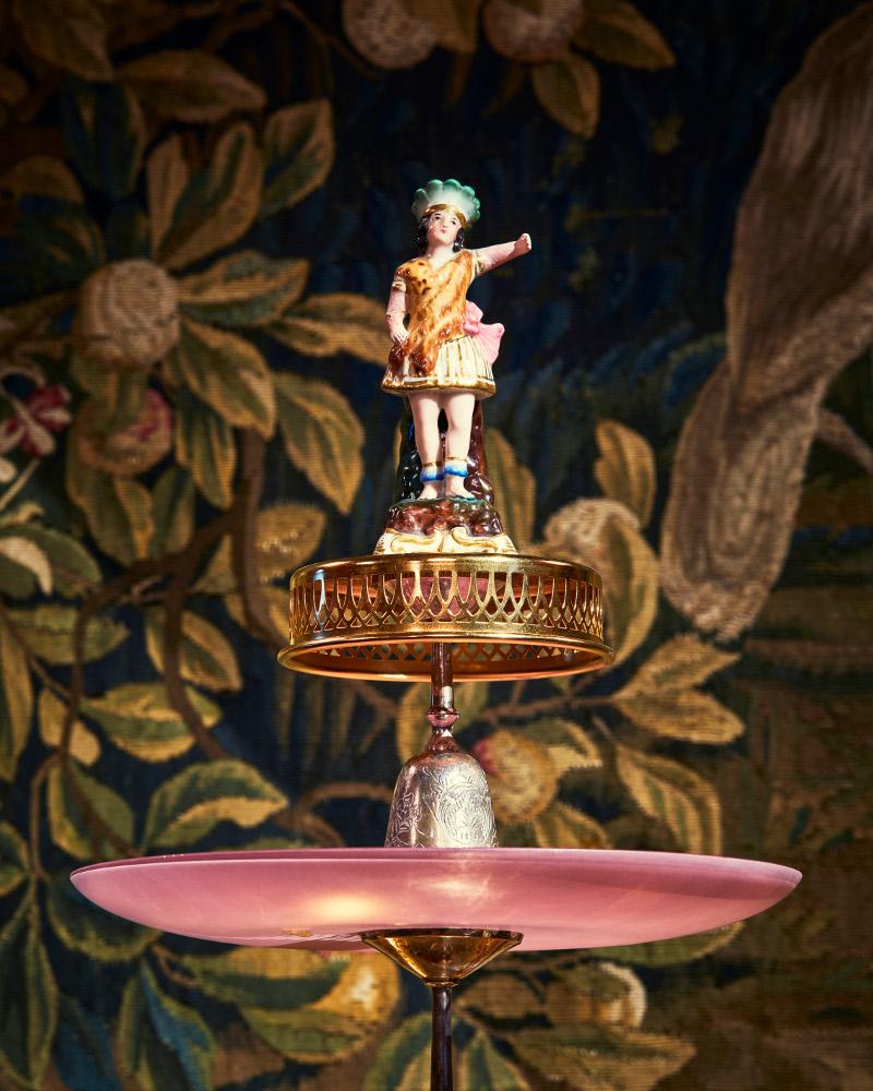 På Hallwylska museet känns dessa bordets primadonnor helt i sitt rätta element! Just nu i en utställning signerad Charlotte Birnbaum. (Foto Erik Lernestål)