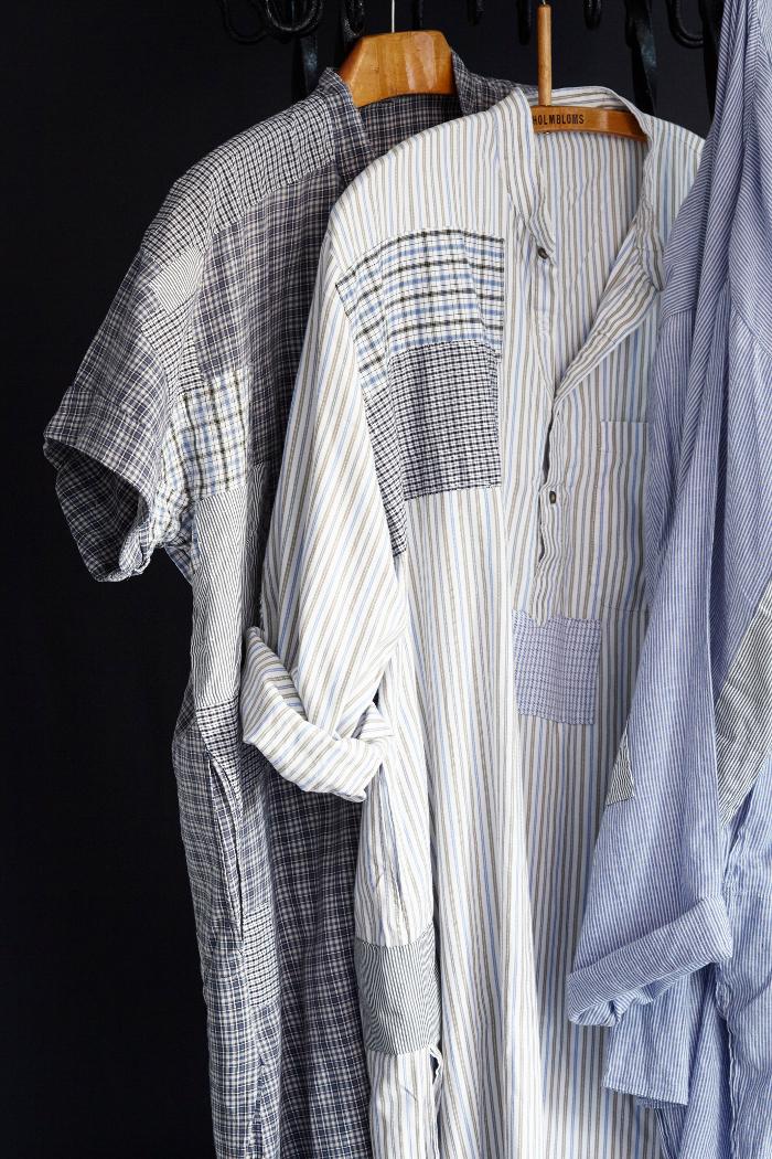 Lappar med påsydda små kaststygn längs kanterna ger dessa bitvis utslitna skjortor nytt liv. Byt ut kragar, använd tyg från andra skjortor, mixa och sy om tipsar författarna. Ur Laga. (Foto Karin Björkquist)