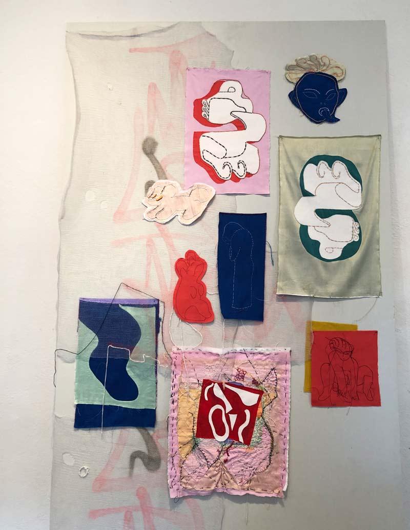 Nini Maakestads verk heter Snabbmat för långsamma själar och består av broderi, applikation och omvänd applikation i bomull och siden. Vackert i sin mix av uttryck och former. (Foto Kurbits)