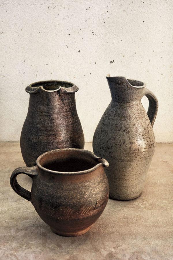 Och bokens keramik är förstås vacker, här är de krukor som med hjälp av boken går att få till. (Foto Calle Stoltz)