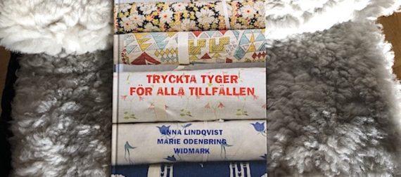 Svensk textils glansdagar i diger bok om tryckta tyger